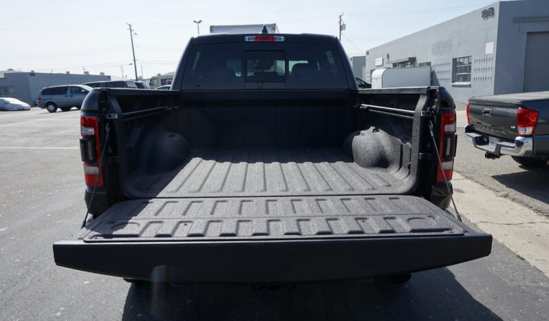 Ram 1500 기골장대한 픽업트럭의 제왕 702마력과 거대한 몸체 RAM TRX full
